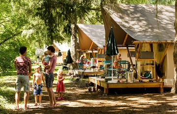 Photo Camping Huttopia Les Châteaux