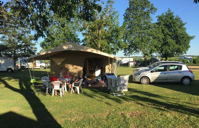 Camping Val de Blois 8 - Vineuil