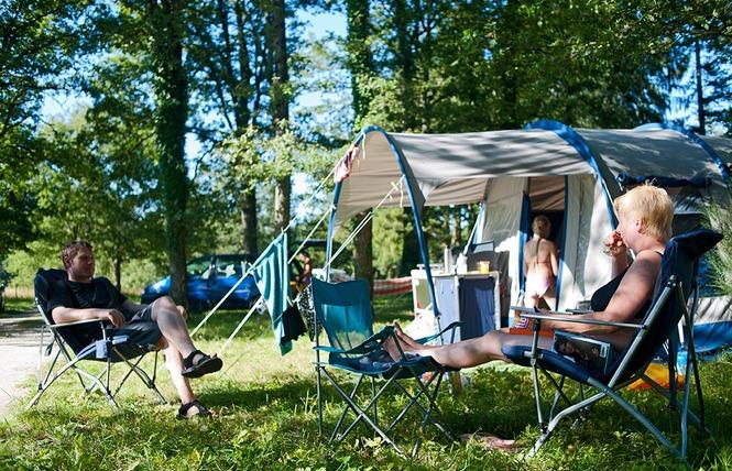 Camping Huttopia Les Châteaux 7 - Bracieux